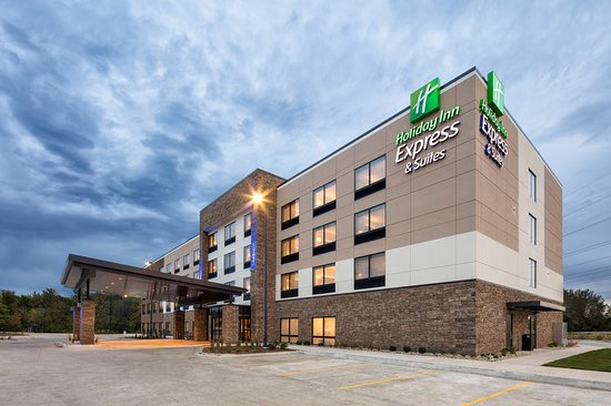 Welcome to the new Holiday Inn Express & Suites East Peoria