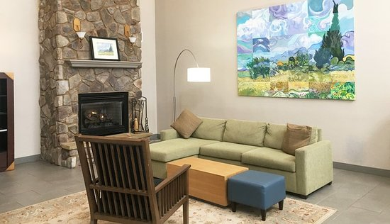 Country Inn & Suites By Carlson, Boone: Country Inn and Suites Boone Lobby