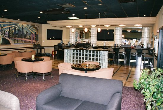 Holiday Inn Port Arthur Bar and Lounge