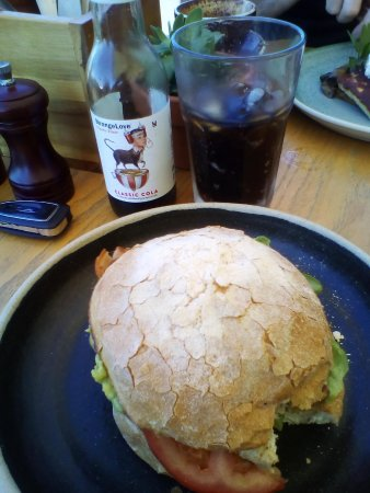 Redcliffe, Australië: Grilled chicken burger