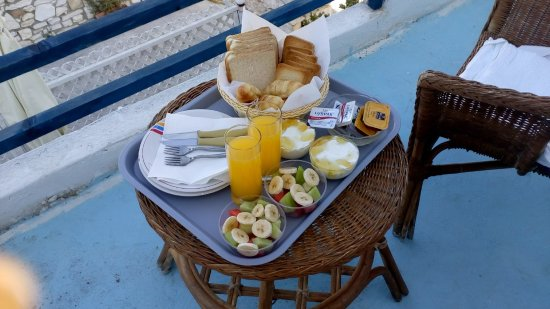 Piso Livadi, Grecia: Breakfast on the balcony