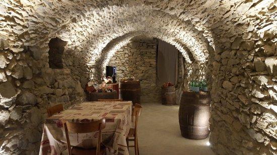 Montjovet, Italië: 20170814_184405_large.jpg