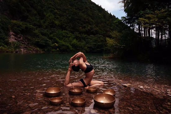 Deqing County, China: YOGA in the reservior