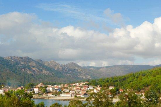 Vista de Esteiro desde la carretera de llegada