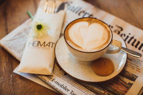 Mainburg, Tyskland: Genießen Sie unsere leckere Frühstücksauswahl & echten italienischen Kaffee