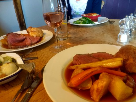 Axminster, UK: Succulent Devon beef roast and a delightful fish pie