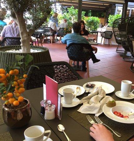 Giardino Ascona : Kein Kaffee dafür viel gebrauchtes Geschirr