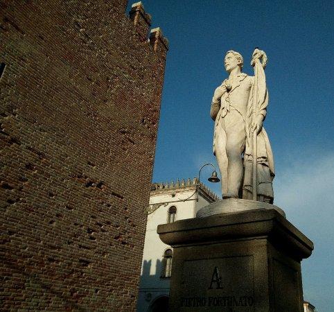 Monumento a Pietro Fortunato Calvi