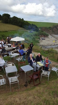 Portscatho, UK: Idyllic spot to dine al fresco