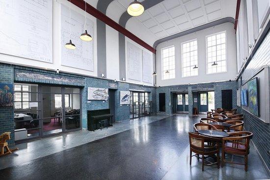 Langenhagen, ألمانيا: Tolle Bahnhofshalle, schön instandgesetzt, auch Veranstaltungen