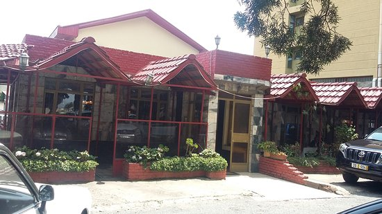 Sangam Restaurant: Hotel Frontage from Car Parking