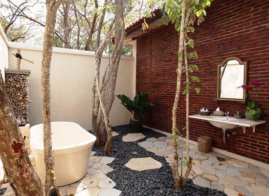 West Bali National Park, Indonesien: Luxury Ocean Villa - Outdoor Bathroom