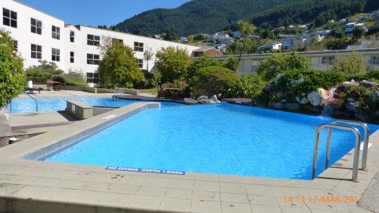 Mercure Resort Queenstown: Nice Large Pool