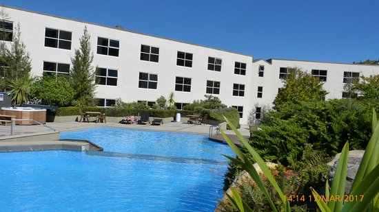 Mercure Resort Queenstown: Pool and Hot Tub