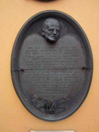 E.J. Kings: James Joyce Authentic Pub award