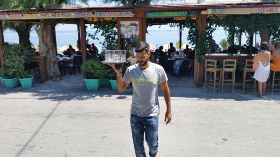 Σούγια, Ελλάδα: ERONTAS-DIKTAMO cafe-snack Bar