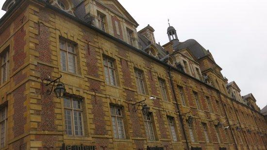 Charleville-Mezieres, ฝรั่งเศส: Place ducale