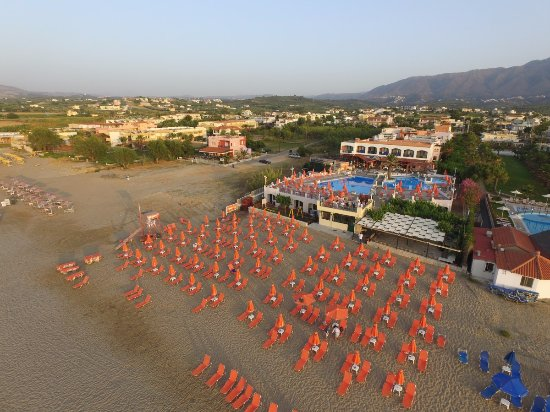Eden Village Kournas: Aerial Beach with Pool
