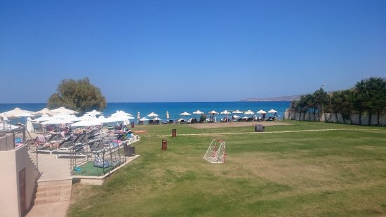 Kalami, Grecia: football and beach volley play grounds