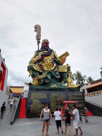 Maret, Thailand: Statue.