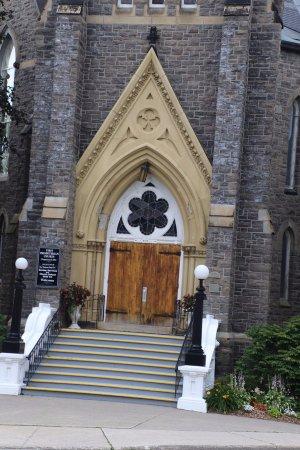 Brockville, Canada: Its entrance
