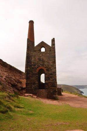 St Agnes, UK: Wheal Coates (a short walk up the coast path)