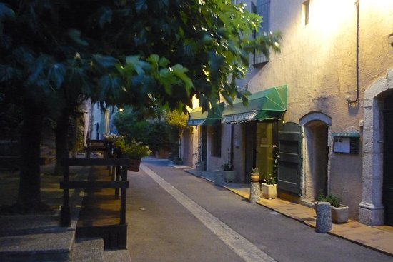 Saint Julien le Montagnier照片