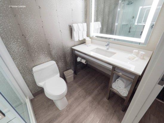 Oakville, كندا: Fantástico (para HGI) banheiro