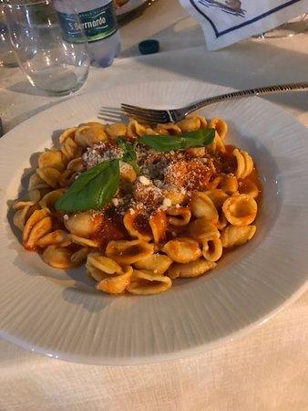 Torre Pali, Italy: Orecchiette pomodoro e basilico