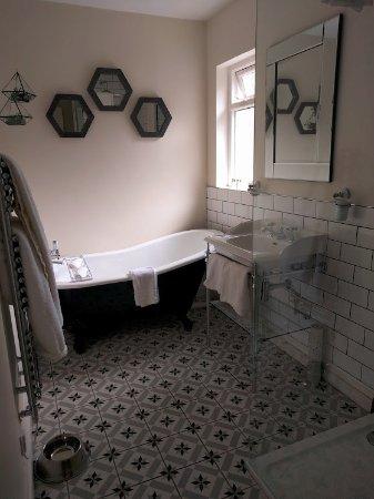 Rothay Manor Hotel: The Conservatory Bathroom