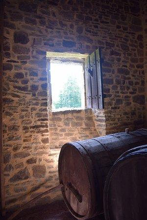Hambye, Francia: Weinkeller