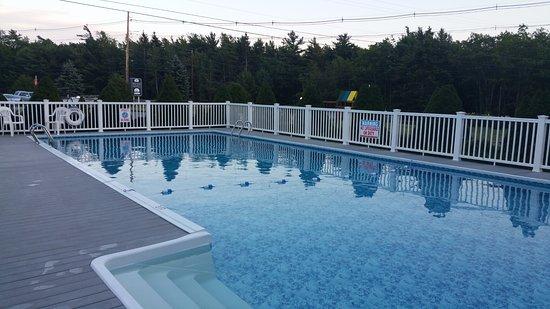 High Seas Motel: Zwembad