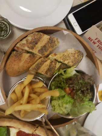 Dbayeh, Líbano: the texan - recommended