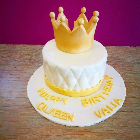 Pastida, Greece: Birthday cakes
