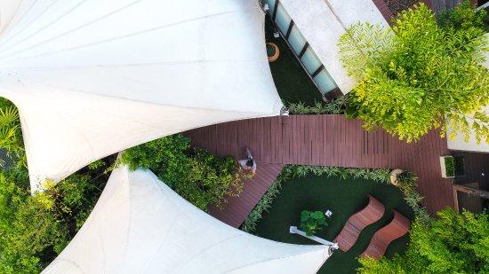 ليتس سي هوا هن أل فريسكو ريزورت: Let's Sea Rooftop Spa Garden