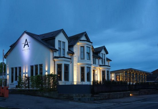 Uddingston, UK: External Angels Hotel & Conservatory