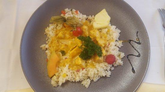 Vital-Hotel Samnauner Hof : Pollo al curry con riso