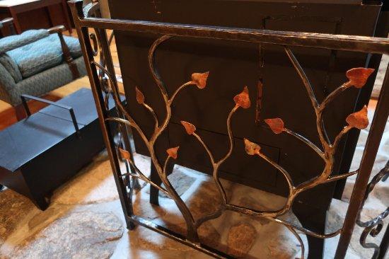 Washington, Μέιν: Wood-stove guard made by local craftsman