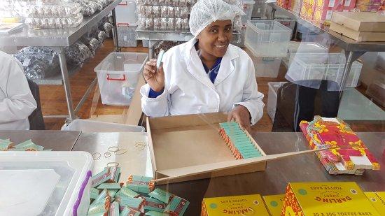 Darling, Sør-Afrika: Friendly staff member