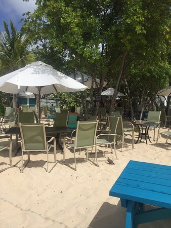 West End Village, Anguilla: Tables right on the beach