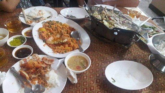 Somboondee Seafood Restaurant: IMG-20170816-WA0031_large.jpg