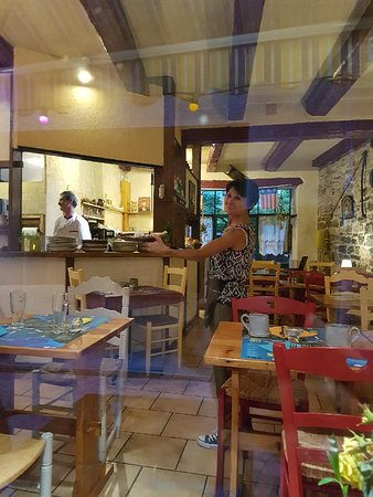 Le chien la fenetre millau restaurant avis num ro de for Fenetre 24 avis