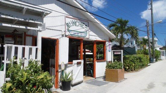 Munchies in Hope Town www.casstheexplorer.com