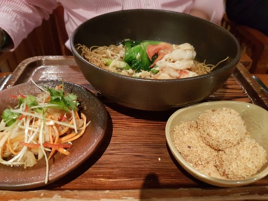 Mezza9: Healthy, lobster moodle, bento