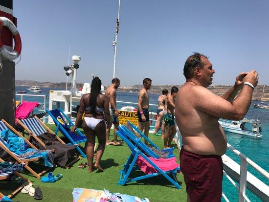 Bugibba, มอลตา: Cubierta del barco