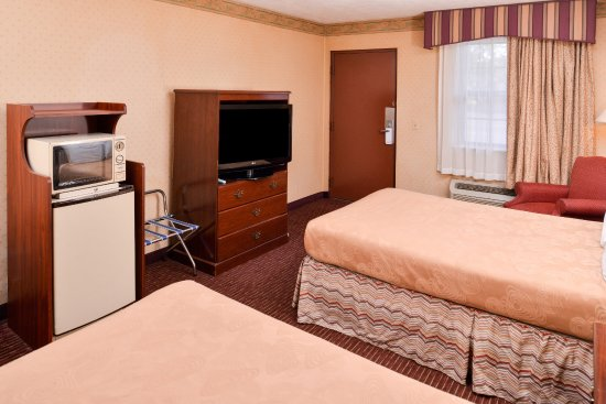 Americas Best Value Inn- Alliance : Two Double Beds