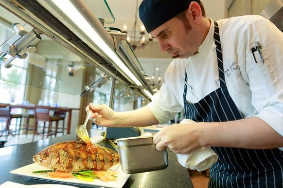 Hyatt Regency Clearwater Beach Resort & Spa: Whole Red Snapper in Shor American Seafood Grill.