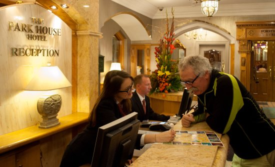 Park House Hotel: Front Desk - Information