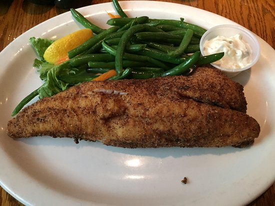 Harrison Township, Μίσιγκαν: Walleye - very fresh and delicious!