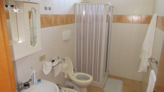 Villaggio Artemide: Bathroom